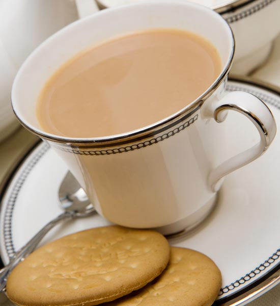 English Tea - Twinings, Tetley oder PGTips mit Scones und Clotted Cream